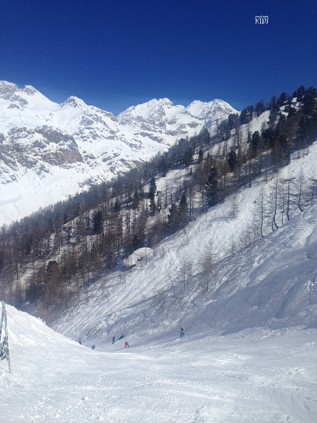 ski, family ski-ing, Val d'Isere, blue skies