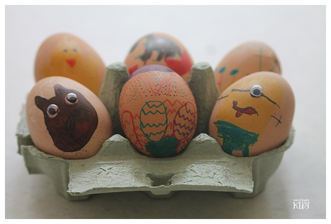 decorating eggs with sharpies, sharpie egg decoration
