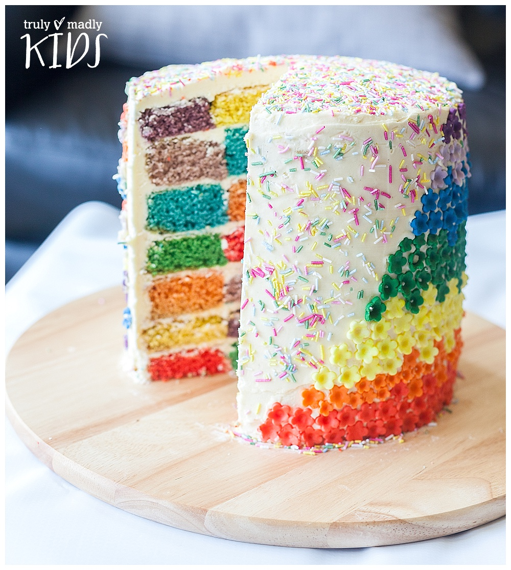 The Happy Rainbow Cake!